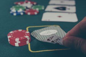 Poker_gambling_online
